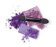 Fard à paupières violet avec un applicateur photos libres de droits