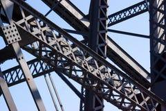 Fardos e feixes de uma ponte Imagens de Stock