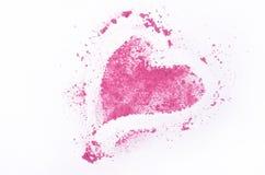 Fards à paupières écrasés en forme de coeur d'isolement sur le fond blanc Photo libre de droits