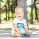 Fare da baby-sitter Fotografia Stock