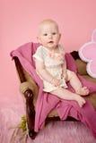 Fare da baby-sitter sullo strato Fotografia Stock Libera da Diritti