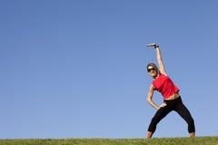 fare la donna esterna di esercitazione Fotografia Stock Libera da Diritti