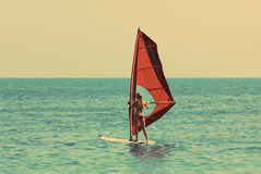 Fare windsurf - retro stile d'annata Fotografia Stock