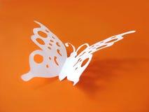 Farfalla da documento su priorità bassa colorata Immagine Stock Libera da Diritti