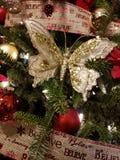 Farfalla dorata di Natale immagini stock libere da diritti