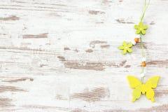Farfalla gialla di legno Immagine Stock Libera da Diritti