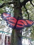 Farfalla sull'albero Fotografie Stock Libere da Diritti