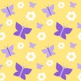 Farfalla viola sveglia sul modello senza cuciture del fondo giallo Immagine Stock Libera da Diritti
