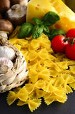 farfalle ιταλικά ζυμαρικά Στοκ Φωτογραφίες