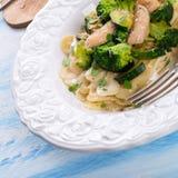Farfalledeegwaren met courgette en broccoli Royalty-vrije Stock Afbeelding