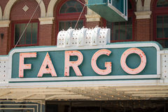 Fargo Theater und Broadway Stockfotografie