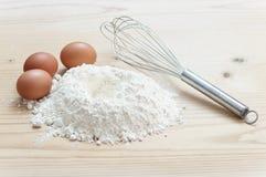 Farina ed uova Fotografia Stock Libera da Diritti