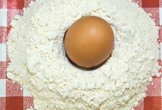 Farina ed uovo Fotografia Stock