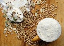 Farine, collectes et graines Photo libre de droits