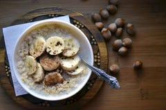 Farine d'avoine avec des bananes Image libre de droits