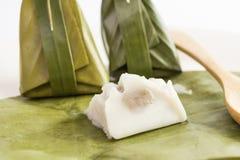 Farinha cozinhada com enchimento do coco Fotos de Stock Royalty Free