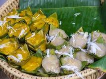 Farinha da banana e bolo cozinhados do sugarpalm Fotos de Stock