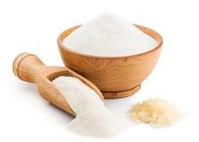 Farinha de arroz no branco imagens de stock