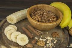 Farinha de aveia para o café da manhã que prepara refeições da dieta Imagens de Stock Royalty Free
