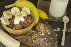 Farinha de aveia para o café da manhã que prepara refeições da dieta Foto de Stock Royalty Free