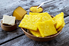 A farinha de milho cozida corta o polenta Fotografia de Stock
