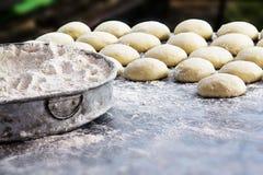 Farinha e bolo de trigo Imagem de Stock