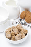 Farinnärbild och lerkärl för teatime Arkivfoton