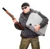 Farlig gangster med hagelgeväret. Arkivfoton
