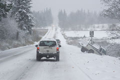 farlig körande vinter Arkivfoton