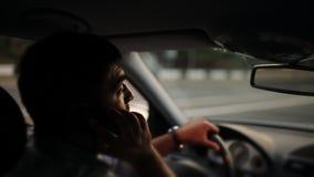 Farlig körning, medan skriva SMS textmeddelandet lager videofilmer