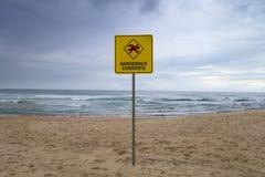 Farliga strömmar undertecknar bondien, stranden, sydney, Australien Arkivbilder