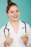 Farmaceuta z pigułki lekarstwem Obraz Stock