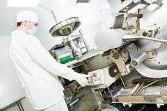 Farmaceutische fabrieksarbeider Royalty-vrije Stock Foto's