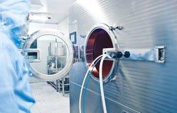 farmaceutiskt fungera för productitekniker royaltyfri fotografi