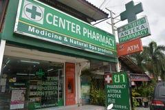 Farmacia tailandese con le erbe e le droghe Fotografia Stock