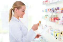 Farmacista femminile fotografia stock