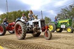 Farmall, skrzynki i John Deere ciągniki, zdjęcie stock