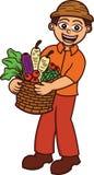 Farmer που φέρνει ένα πλήρες καλάθι των λαχανικών Στοκ Εικόνα
