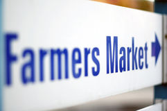 Farmers Market. Sign pointing direction to the Farmers Market stock photography