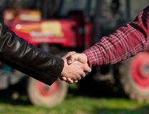 Farmers shaking hands Royalty Free Stock Photos