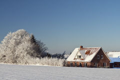 farmhouse χιόνι Στοκ εικόνα με δικαίωμα ελεύθερης χρήσης
