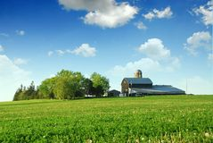 Farmhouse and barn Royalty Free Stock Photos