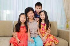 Farmor och barnbarn Royaltyfria Bilder