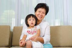 Farmor och barnbarn Royaltyfri Fotografi