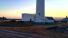 Faro cerca de la playa almacen de metraje de vídeo