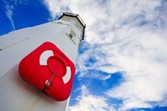 Faro con el conservante de vida rojo Fotos de archivo libres de regalías