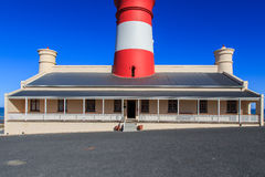 Faro de Agulhas del cabo Fotos de archivo libres de regalías