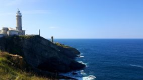 Faro de Cabo Prefeito em Santander fotografia de stock royalty free