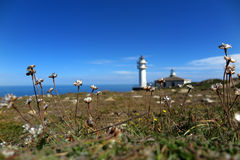 Faro de Cabo Touriñà ¡ n Arkivfoton