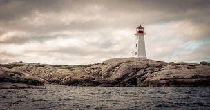 Faro de la ensenada de Peggy en Nova Scotia, Canadá Fotos de archivo libres de regalías